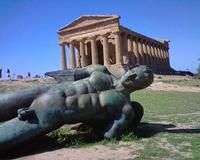 Angelo caduto  Statua di bronzo di Mitoraj valle dei templi  - Agrigento (11224 clic)