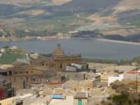 panorama con chiesa S.Agostino e Diga S.Giovanni  - Naro (9902 clic)