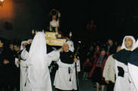 Processione del Simulacro di Gesù flagellato a cura della Venerabile Confraternita della Carità di Licata (Ag) Foto scattata nel mese di Marzo 2005  - Licata (3666 clic)