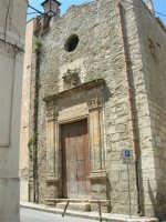 Chiesa di S. Pietro e Conservatorio delle Vergini Orfane - via Barone di S. Giuseppe, angolo via Porta Stella - 13 maggio 2006  - Alcamo (1127 clic)