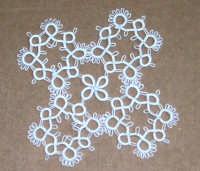 Il lavoro chiacchierino: c'è ancora chi si diletta a realizzare queste piccole opere d'arte - 8 febbraio 2006  - Alcamo (1596 clic)