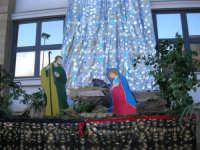 il presepe dell'I.C. Pascoli - 22 dicembre 2006  - Castellammare del golfo (857 clic)