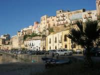 al porto - 13 maggio 2007  - Castellammare del golfo (715 clic)