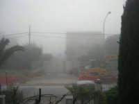 paesaggio insolito: la nebbia avviluppa ogni cosa - 25 febbraio 2008  - Alcamo (736 clic)