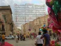 festeggiamenti in onore di Maria Santissima dei Miracoli, patrona di Alcamo - illuminazione eccezionale in Piazza Ciullo - 21 giugno 2009   - Alcamo (2409 clic)