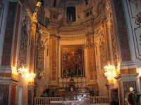 Chiesa di Sant'Oliva, interno (mentre per le vie della città si svolge la processione in onore di S. Giuseppe) - 20 marzo 2006   - Alcamo (1390 clic)