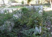 Bosco d'Alcamo - Riserva Naturale Orientata - sul monte Bonifato: La Funtanazza, grande serbatoio pubblico di età medievale - 8 dicembre 2006  - Alcamo (2254 clic)
