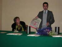Piero Tuzzo presenta il libro Disfunzioni Celebrali, Poesie, poemetti e altro. Intervengono i sigg. Antonietta Pirrone e Vincenzo Caico - Hotel Centrale - 27 dicembre 2008   - Alcamo (4454 clic)