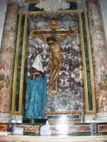 Chiesa di Sant'Oliva, interno (mentre per le vie della città si svolge la processione in onore di S. Giuseppe) - 20 marzo 2006   - Alcamo (1412 clic)