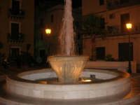 Fontana in Piazza Europa - 25 ottobre 2008   - Castellammare del golfo (501 clic)