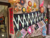 souvenir - tappeti - 1 maggio 2009   - Erice (3150 clic)