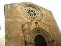 Chiesa di S. Agostino, ornata da uno splendido rosone e dal portale gotico - 8 febbraio 2009  - Trapani (2924 clic)