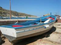 al porto: barca di pescatori - 2 ottobre 2007  - Castellammare del golfo (594 clic)