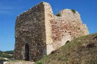 sulla rupe i ruderi del Castello Eufemio, di epoca medioevale - 4 ottobre 2007   - Calatafimi segesta (672 clic)