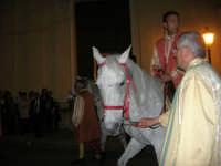 2° Corteo Storico di Santa Rita - Dinanzi la Chiesa S. Antonio - seconda uscita - Cavalieri - 17 maggio 2008  - Castellammare del golfo (561 clic)