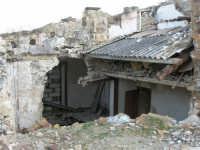 ruderi del terremoto del gennaio 1968 - 11 ottobre 2007   - Salemi (2270 clic)