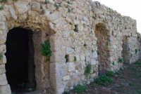 sulla rupe i ruderi del Castello Eufemio, di epoca medioevale - 4 ottobre 2007  - Calatafimi segesta (610 clic)