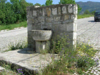 fontana - 23 aprile 2006   - Palazzo adriano (1293 clic)