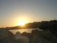 sul molo, al tramonto - 1 agosto 2007  - Marinella di selinunte (774 clic)