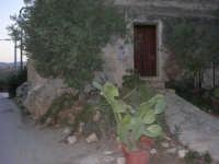 casa all'ingresso del borgo, lato sud - 19 settembre 2007   - Scopello (914 clic)