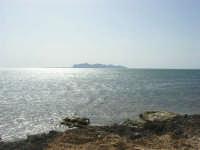 C/da Birgi Novo - costa e mare - all'orizzonte isola delle Egadi - 25 maggio 2008  - Marsala (787 clic)
