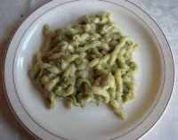 C/da Digerbato - Tenuta Volpara - primo piatto: busiata con favette, carciofi, piselli - 27 aprile 2008   - Marsala (2424 clic)