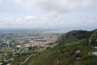 panorama dal monte Erice: Trapani, le saline, le isole Egadi - 1 maggio 2009  - Erice (1962 clic)