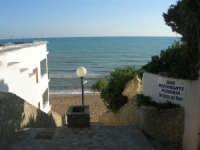 scalinata di accesso al mare - 6 aprile 2008   - Marinella di selinunte (769 clic)