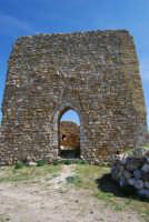 sulla rupe i ruderi del Castello Eufemio, di epoca medioevale - 4 ottobre 2007   - Calatafimi segesta (730 clic)