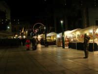 mercatino dell'artigianato in piazza Ciullo - 17 dicembre 2008  - Alcamo (928 clic)