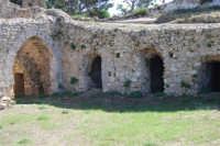 sulla rupe i ruderi del Castello Eufemio, di epoca medioevale - 4 ottobre 2007  - Calatafimi segesta (775 clic)