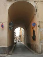 via Arco Itria - 21 giugno 2007  - Alcamo (840 clic)