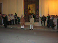 2° Corteo Storico di Santa Rita - Dinanzi la Chiesa S. Antonio - seconda uscita - I due figli - 17 maggio 2008  - Castellammare del golfo (577 clic)