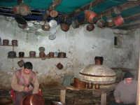 Il Presepe Vivente di Custonaci nella grotta preistorica di Scurati (grotta Mangiapane) (137) - 26 dicembre 2007   - Custonaci (883 clic)