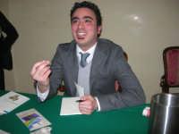 Piero Tuzzo presenta il libro Disfunzioni Celebrali, Poesie, poemetti e altro. Intervengono i sigg. Antonietta Pirrone e Vincenzo Caico - Hotel Centrale - 27 dicembre 2008   - Alcamo (5261 clic)