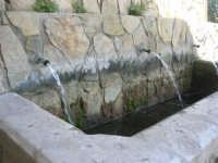 Santuario della Madonna del Ponte - la fontana - 5 ottobre 2008  - Partinico (1574 clic)