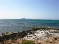 C/da Birgi Novo - costa e mare - all'orizzonte isola delle Egadi - 25 maggio 2008  - Marsala (825 clic)
