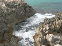 mare e scogli - 1 giugno 2008  - Cinisi (1402 clic)
