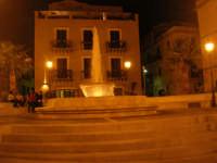 Fontana in Piazza Europa - 25 ottobre 2008   - Castellammare del golfo (529 clic)
