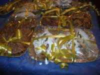 WINE WEEKEND - Vetrina dell'Alcamo DOC - Cortile del Collegio dei Gesuiti - dolci tipici: cudduredde in primo piano - 4 dicembre 2009   - Alcamo (2384 clic)