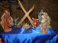 mercatino dell'artigianato in piazza Ciullo - pastorelli: la Natività - 17 dicembre 2008  - Alcamo (686 clic)