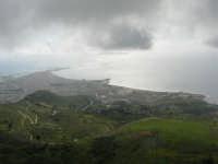 panorama con foschia dal monte Erice - Trapani, le isole Egadi - 1 maggio 2009    - Erice (1973 clic)