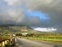 dopo la pioggia - Monte Erice ed arcobaleno - 1 febbraio 2009   - Erice (2619 clic)