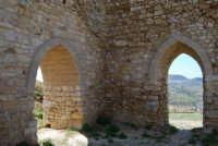 sulla rupe i ruderi del Castello Eufemio, di epoca medioevale - 4 ottobre 2007   - Calatafimi segesta (793 clic)