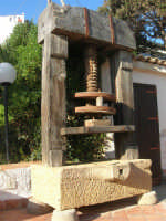 torchio per le olive - 6 aprile 2008   - Marinella di selinunte (1900 clic)