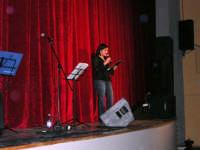 Presentazione della rassegna musicale giovani autori Omaggio a De André - Teatro Cielo d'Alcamo - 11 febbraio 2006   - Alcamo (1491 clic)