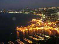 dal Belvedere: panorama notturno della città e del golfo - 19 settembre 2007   - Castellammare del golfo (611 clic)
