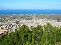 sul monte Bonifato: panorama della città - 8 dicembre 2006   - Alcamo (862 clic)