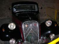 Calici di Stelle - auto d'epoca in mostra sul piazzale del Castello dei Conti di Modica - 10 agosto 2008   - Alcamo (590 clic)