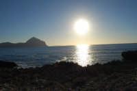 Macari - riflessi di sole sul golfo del Cofano - 28 settembre 2007  - San vito lo capo (650 clic)